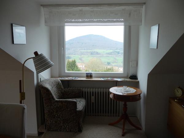 Ausblick aus der Dachgaube im Wohnzimmer